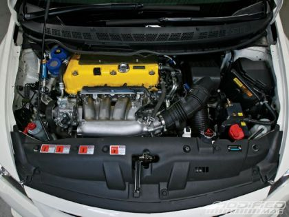 modp_0904_08_o+2008_jdm_honda_civic_type_r+engine_bay